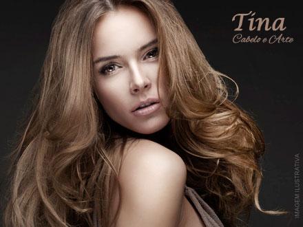 Seus cabelos hidratados fio a fio! Hidratação com Reposição de Massa Capilar + Escova na Tina Cabelo e Arte, por apenas 29,90.
