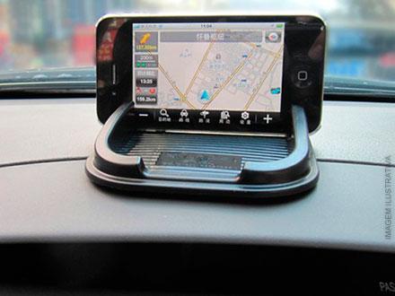 Tapete Gel Antiderrapante - Ideal para fixar objetos no console do carro + Função GPS por apenas 15,90. Frete Grátis!