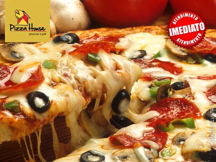 Pizza Grande da Pizza House com mais de 10 sabores disponíveis por apenas 25,90.