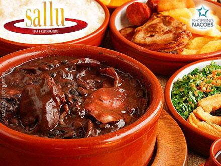 O Sucesso está de volta! Feijoada + Acompanhamentos para até 4 Pessoas no Sallu Bar e Restaurante, por apenas 29,90.
