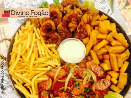 Porção Gigante do Divino: Polenta Frita, Batata Frita, Frango à Passarinho e Calabresa Acebolada (Serve até 5 pessoas): 41,90.