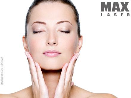 2 Higienizações + 2 Esfoliações + 2 Peelings de Diamante + 2 Clareamento + 2 Máscara Vulcânica na Max Laser, por 44,90.