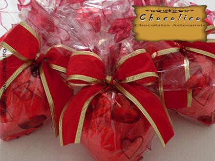 Presenteie sua mãe! Coração de Chocolate 500g (Simples ou Recheado) na Chocolico, a partir de 39,90.