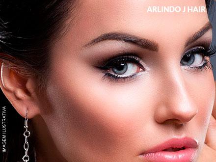 Realce sua expressão! Design de Sobrancelhas + Opção de Henna no Arlindo J Hair, por apenas 15,00.