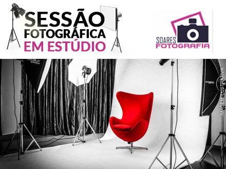 Sessão Fotográfica em estúdio + 2 Revelações 10x15cm + 1 Revelação 20x30cm no Estúdio Soares Fotografia, de 200,00 por 29,90.
