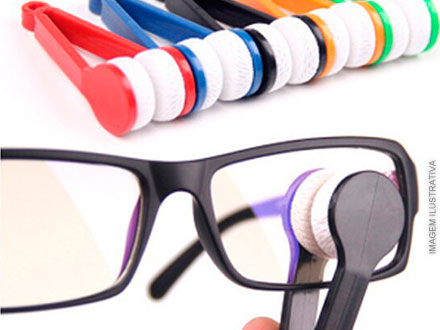 Chega de marcas de dedo no seu óculos! Limpa Óculos, por apenas 21,90. Frete incluso para todo o Brasil!