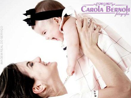Ensaio Fotográfico para Crianças (De 0 a 12 Anos) + 15 Fotos Editadas + 2 Looks na Carola Bernoh, por apenas 49,90.