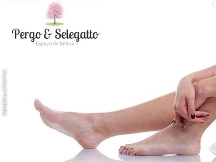 Cuidado especial com seus pés! Sessão de Podologia no Espaço Pergo & Selegato - Podologia, de 100,00 por apenas 29,90.