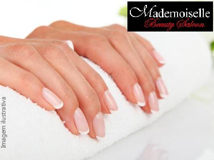 Sessão de Pedicure + Manicure na Esmaltaria Mademoiselle, de 35,00 por apenas 15,90. Atendimento imediato!