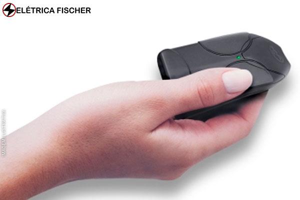Controle para Portões Automáticos + Codificação (6 Opções de Cor) na Elétrica Fischer, por apenas 25,90.